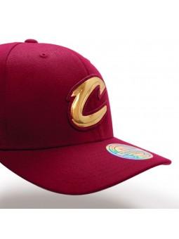 CLEVELAND CAVALIERS Metal Logo Mitchell & Ness burgundy cap