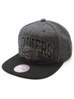 Gorra Cleveland CAVALIERS NBA Compound Mitchell & Ness