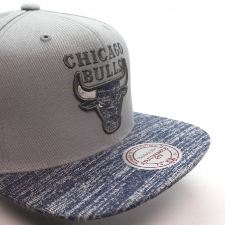 Chicago BULLS NBA Mitchell & Ness Solid Cro Cap