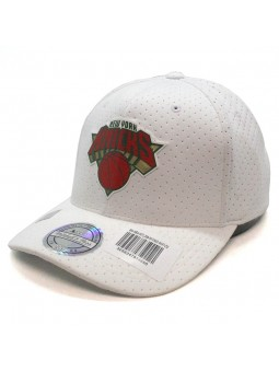 New York KNICKS NBA White 309 Mitchell & Ness Cap