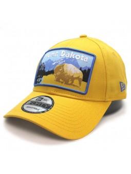Gorra North Dakota parche New Era 9Forty amarillo